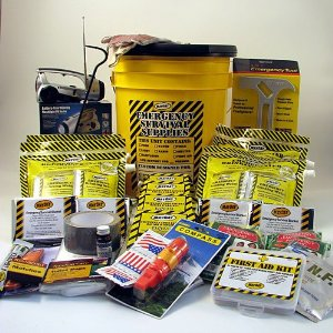 4 Person Deluxe Emergency Earthquake Bucket Kit